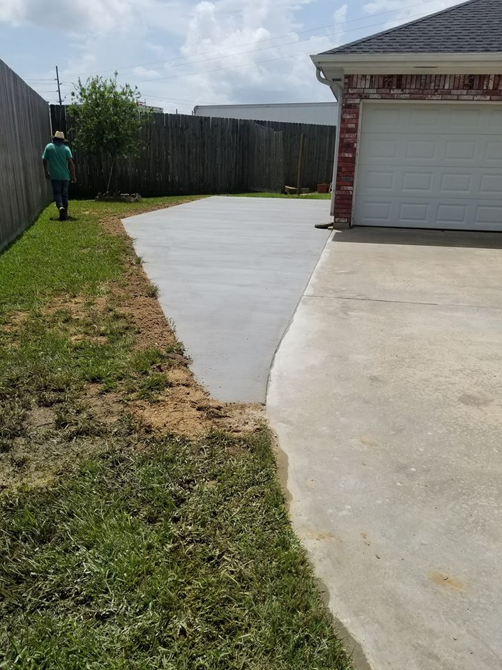 Extend concrete driveway Milwaukee
